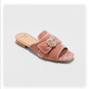 Shoes - 🎀🆕Blush Velvet Crystal Embellished Mules🎀